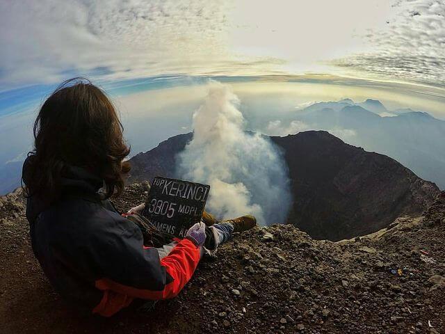 Puncak Gunung Kerinci - foto instagaram memodindanugraha
