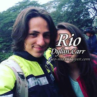 Foto Anak Jalanan Dylan Carr sebagai Rio