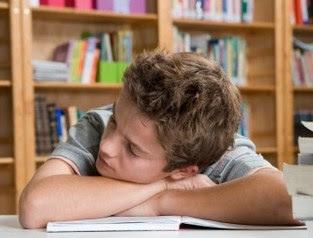 8 Faktor Penyebab Utama Rendahnya Minat Baca Di Kalangan Remaja