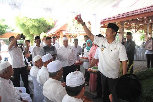 Hefriansyah Tepung Tawari 13 Calon Jamaah Haji Kota Siantar