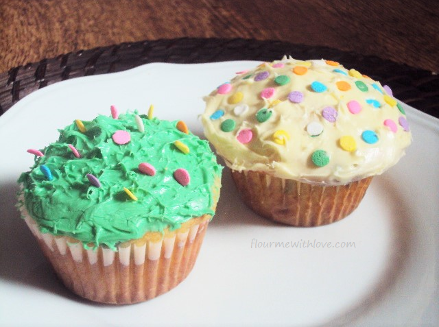 #MixUpAMoment with Easter Egg Cupcakes