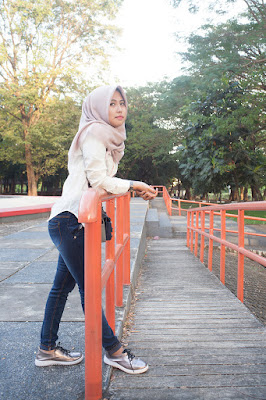 foto model hijab terbaru 2016 foto model hijab tampak belakang foto besarmodel hijab trendy foto model hijab toge bokong