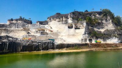 Obyek wisata Bukit Jaddih di Kabupaten Bangkalan, Pulau Madura.