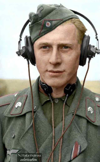 The commander of a Sturmgeschutz III 6 October 1941 worldwartwo.filminspector.com