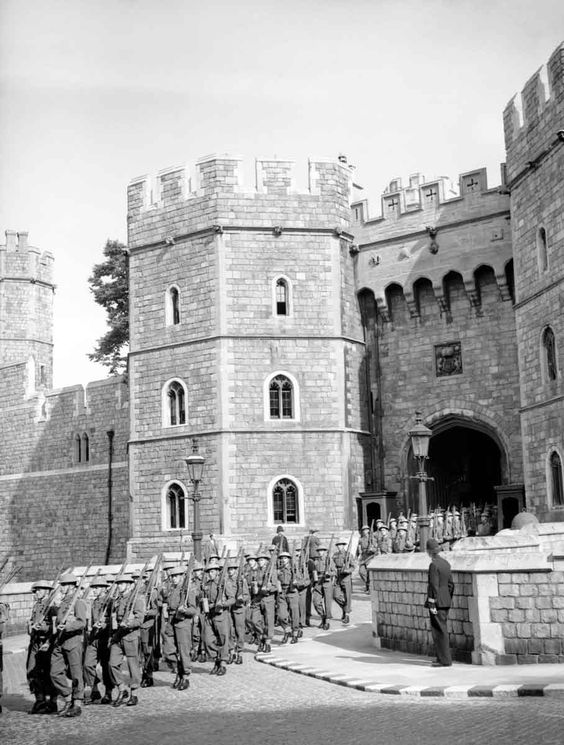 30 June 1940 worldwartwo.filminspector.com Castle Guards Windsor Castle
