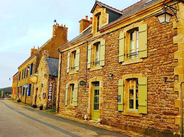 Locornan - Brittany, In France I Travelling Hopper 2016