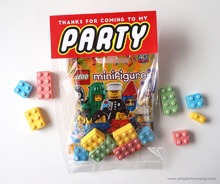 Throw an awesome LEGO Minifigure Party with these simple tips and free printables!