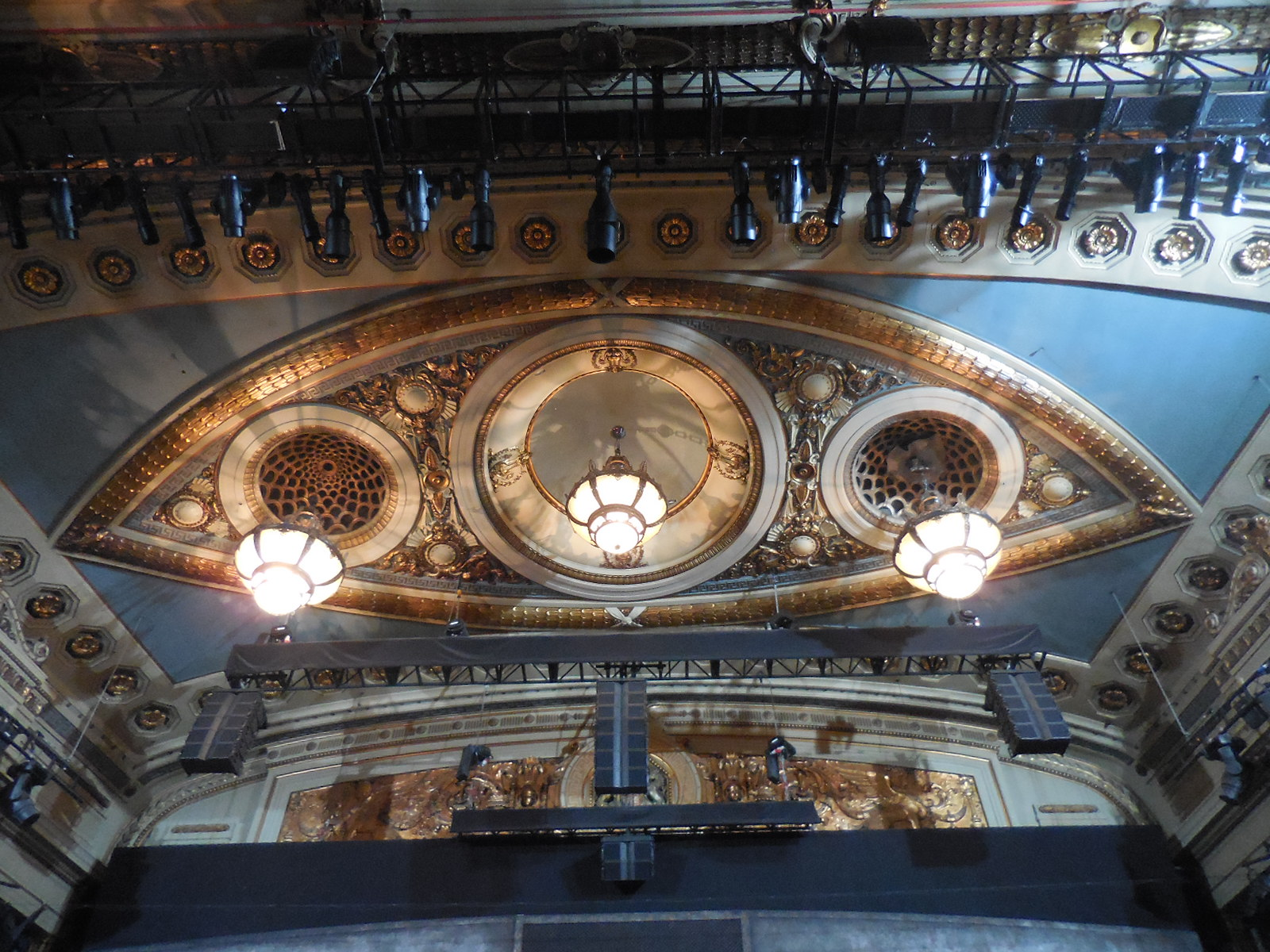 Number one london our tour of the theatre royal drury lane for Balcony novello theatre