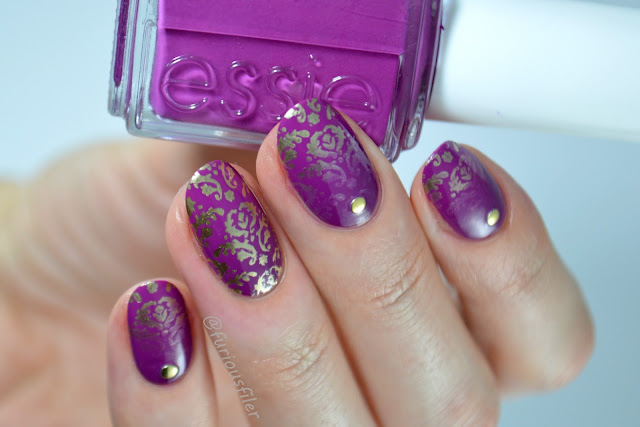 essie flowerista models own chrome gold #nailpolishsocietyabc damask