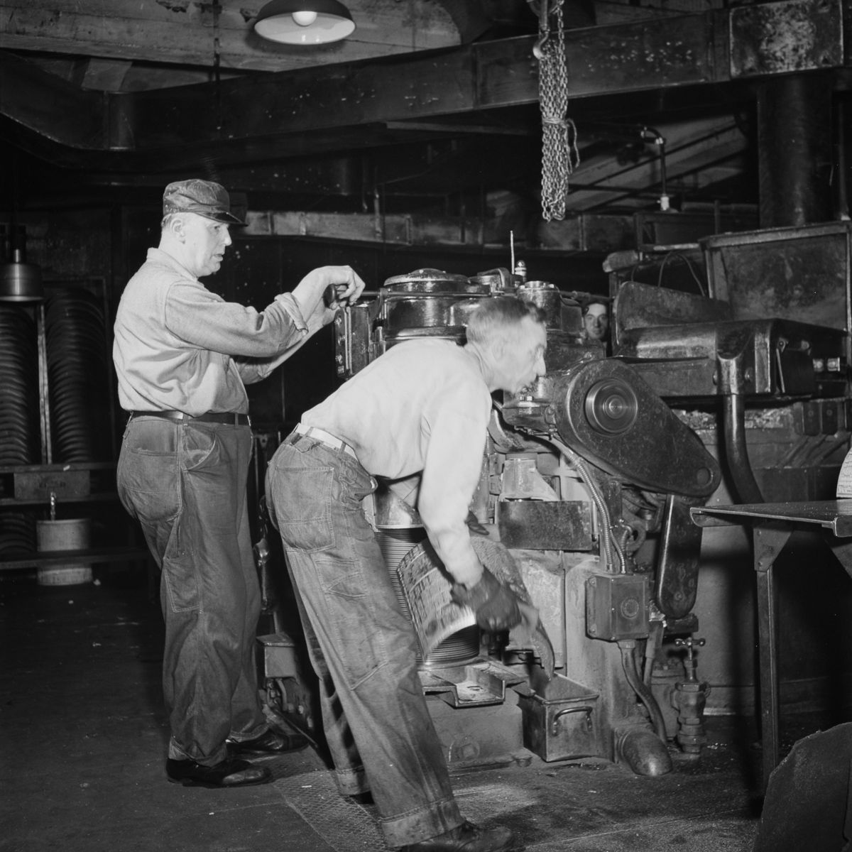 An Autoplate machine is used to cast curved plates for the printing presses from the completed linotype slugs.