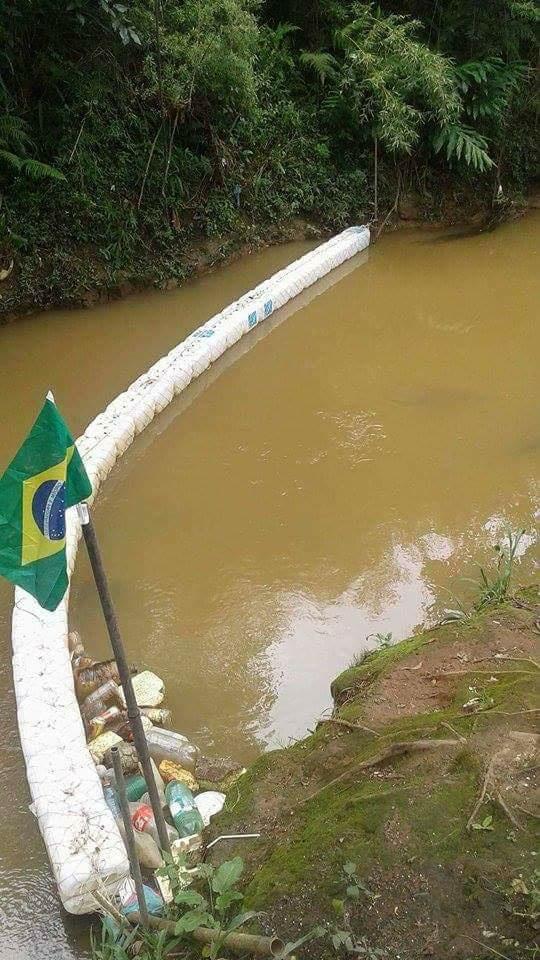 Colombense surpreende criando barreira ecológica em rio de Colombo