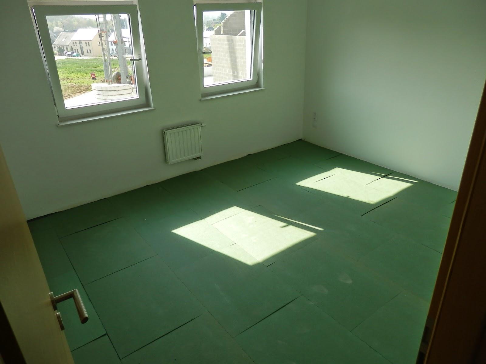 notre maison constuction avec t p pose du parquet 12 04 2014. Black Bedroom Furniture Sets. Home Design Ideas