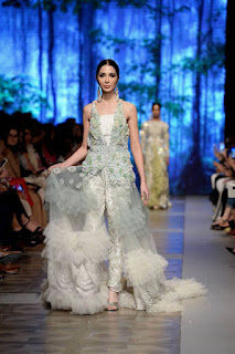 Sana-safinaz-new-style-the-last-of-the-night-plbw17-collection-7