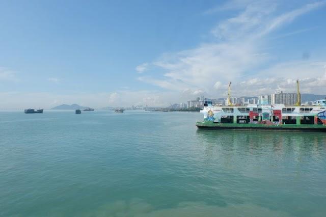 Seberangi Lautan dari Penang ke Daratan Malaysia