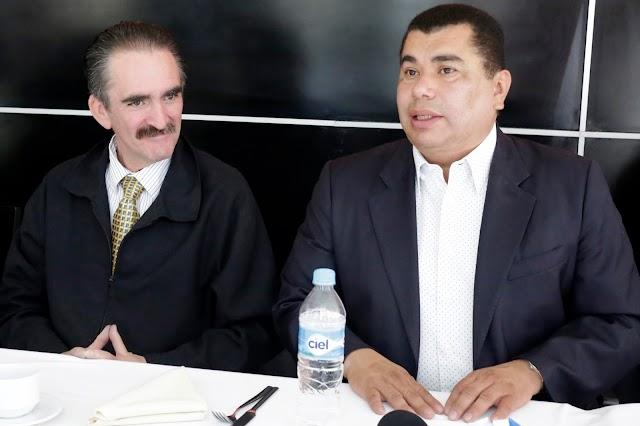 Javier López Zavala jubila a Mario Marín de la política