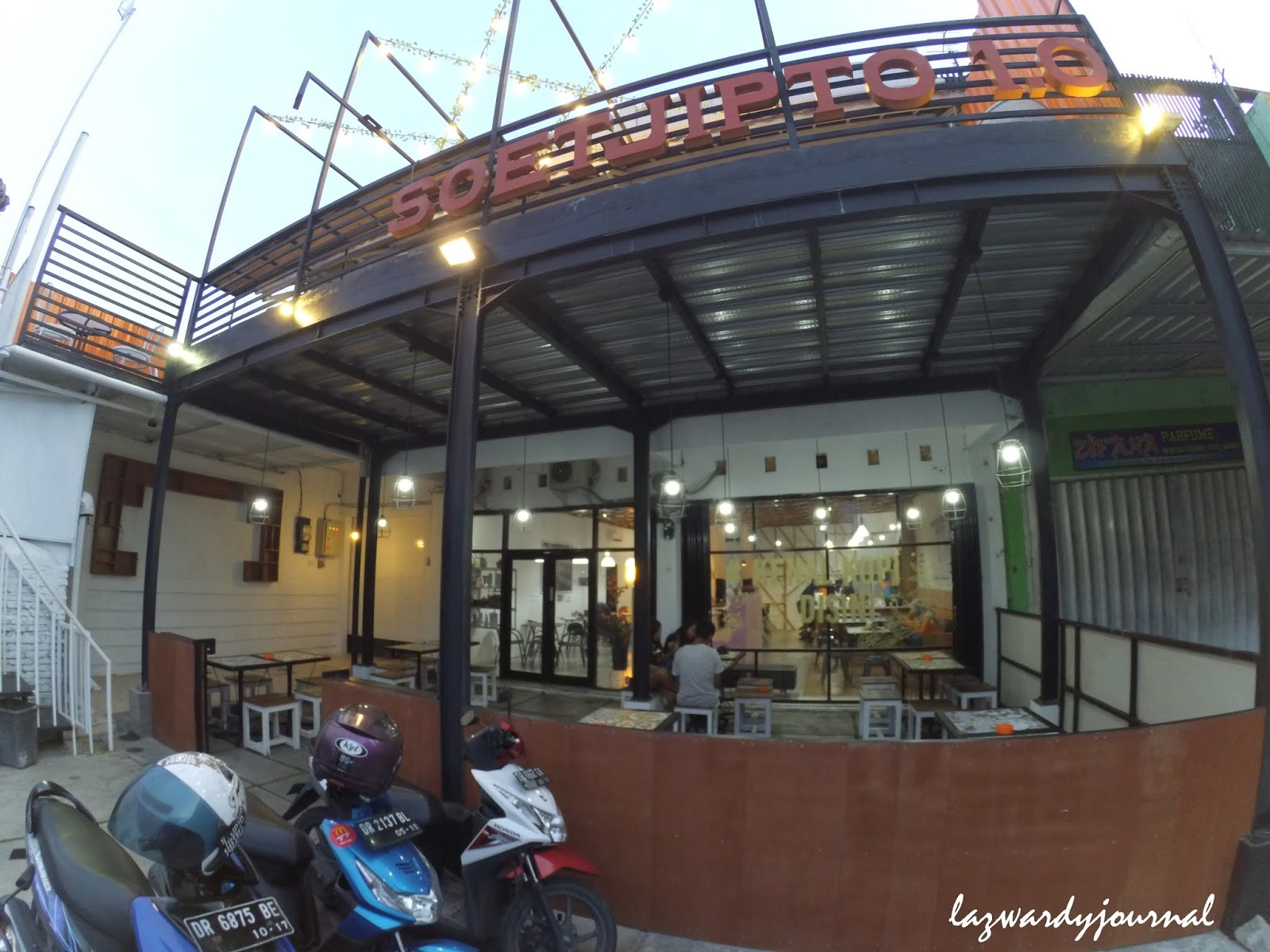 Menikmati Es Kopi Susu Guren Di Soetjipto Coffee Resto Lazwardy