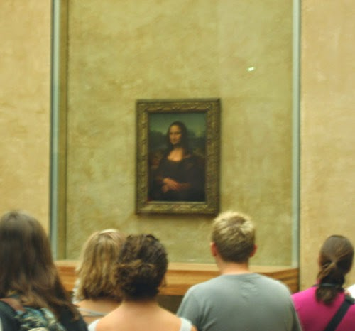 Admirers of the Mona Lisa.