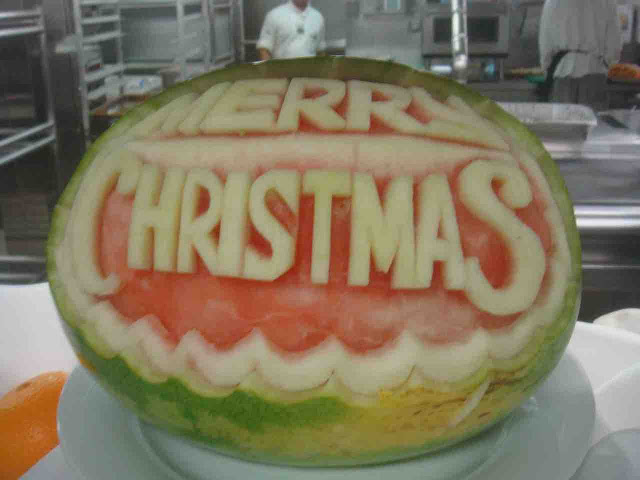 Merry Christmas - fruit carving