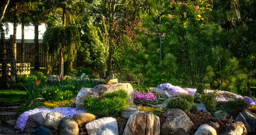 Conrad Art Glass Amp Gardens An Excellent Garden Read