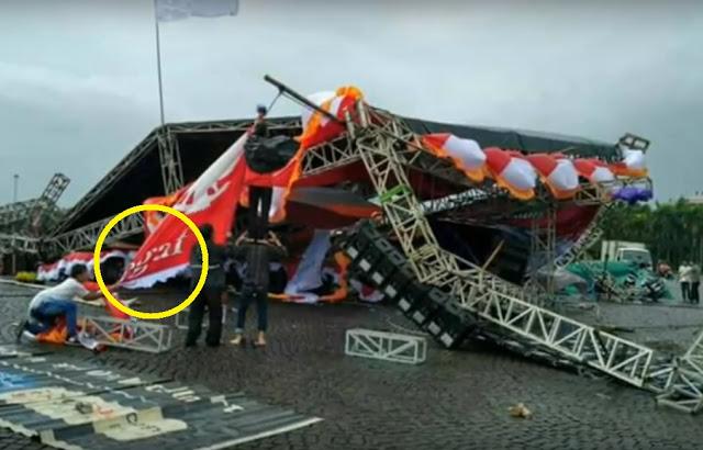 Panggung Reuni Akbar 212 di Monas Roboh? Hoax  Ini Faktanya