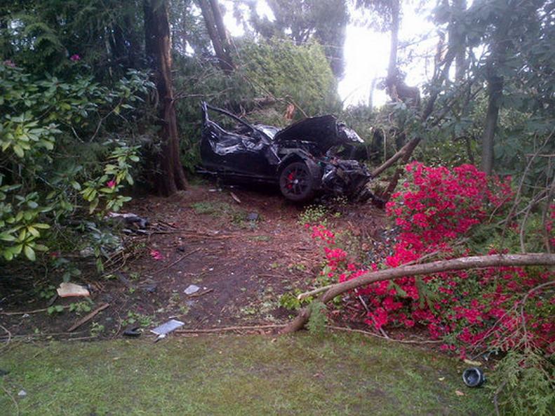 Mercedes-Crash-3.jpg