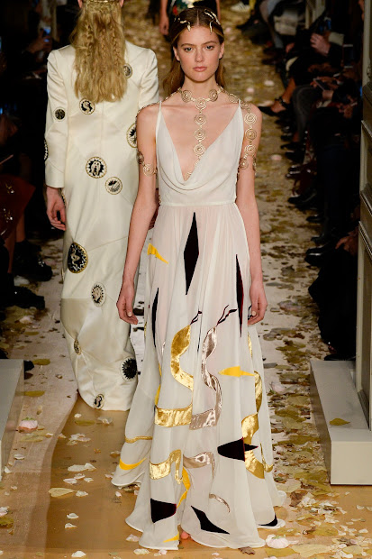 Fashion Runway Valentino Haute Couture Spring 2016