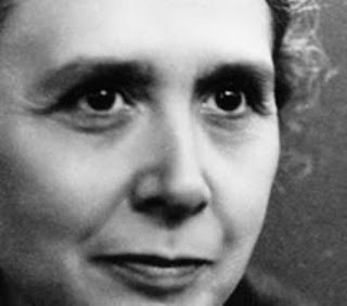 http://www.institucionteresiana.org/es/mujeres-destacadas/josefa-segovia