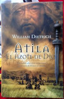 Portada del libro Atila. El azote de Dios, de William Dietrich