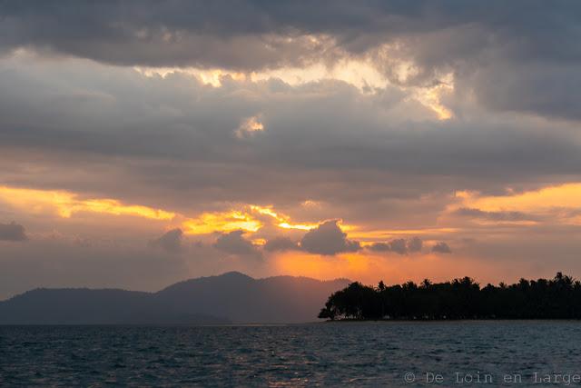 Sunset-Colors-Port-Barton-Palawan-Philippines