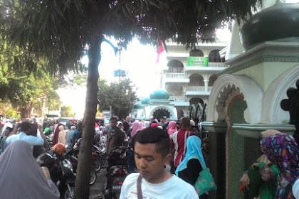 Masyaallah... Ustadz Somad Batal Hadir, Respons Jamaah Bikin Haru dan Nangis