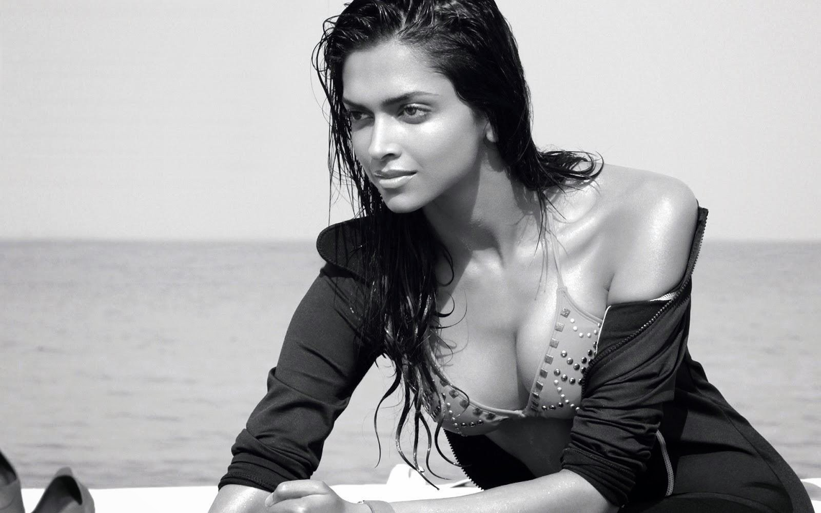 Deepika Padukone Naked Photo