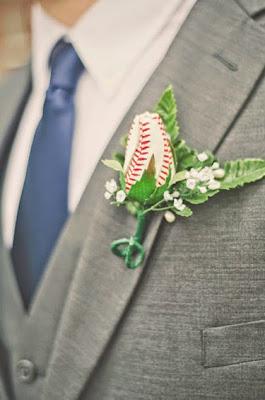 K'Mich Weddings wedding planning - boutonnieres - wedding planning