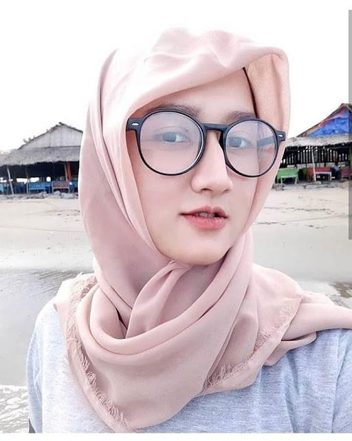 Hijab Simple Buat Anak Kuliah