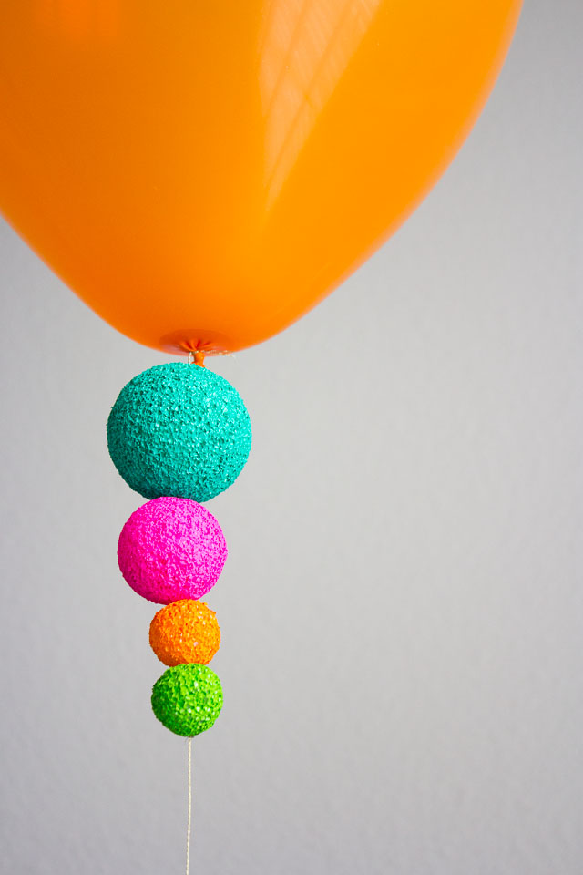 A fun way to decorate balloons