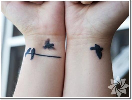 Kleine und niedliche Tattoo Ideen für junge Frauen
