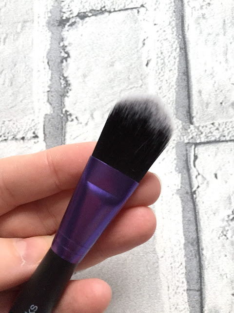 Makeup Test - Foundation Brush Or Complexion Sponge? With Brush Works