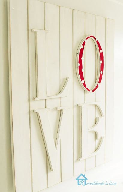 how to create a wall piece of art for Valentines