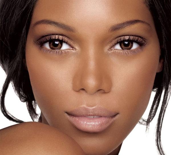 """Résultat de recherche d'images pour """"fixateur maquillage pour peau noire"""""""