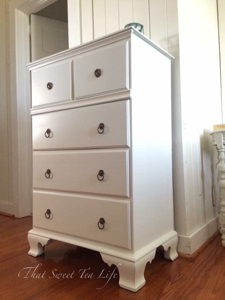 Sprayed White Mahogany Antique