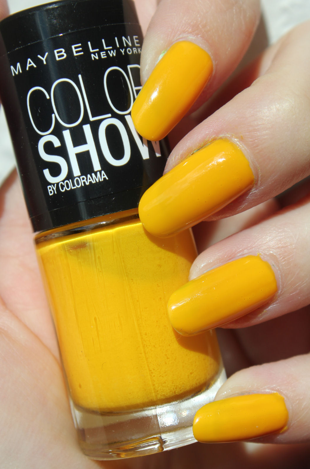 Yellow Nail Polishes That You Need To Try This Season