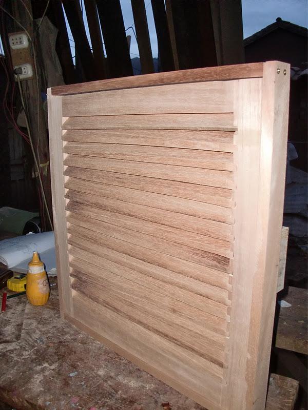 como hacer persiana de madera
