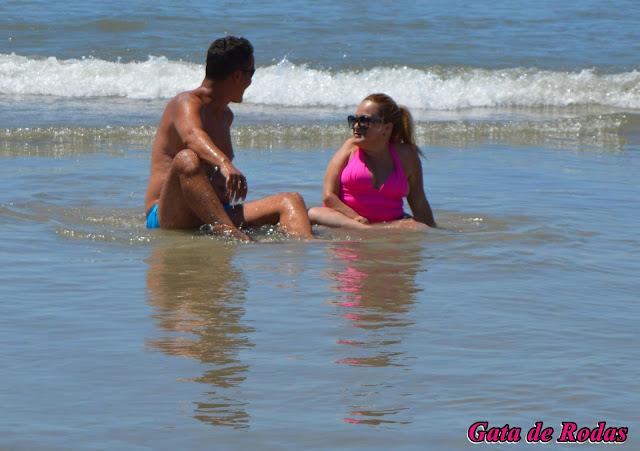 Gata de Rodas de férias na Praia de Riviera de São Lourenço