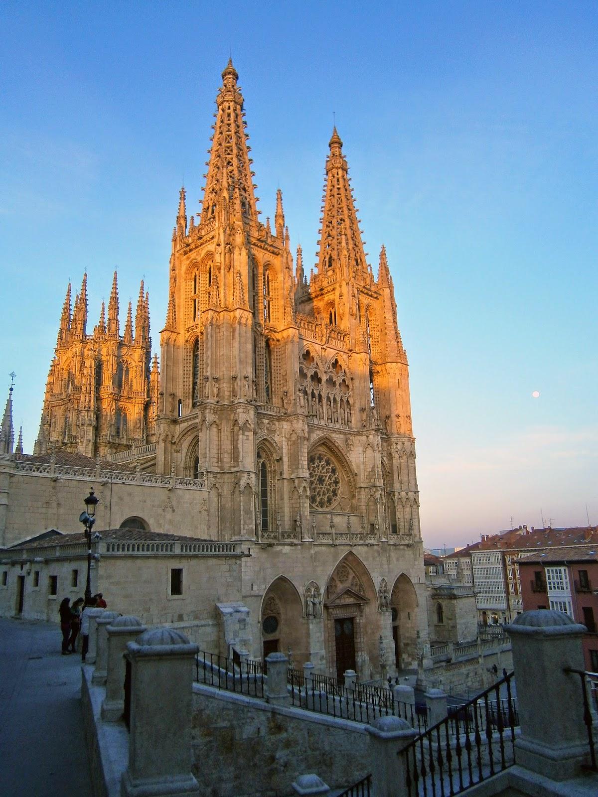 esta noche chinesse pequeño cerca de Burgos