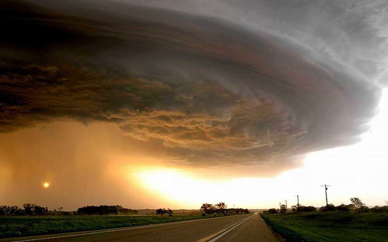 Download 3d Moving Wallpapers For Windows 7 Wallpapers Tornado Photos