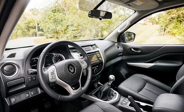 interior Renault Alaskan