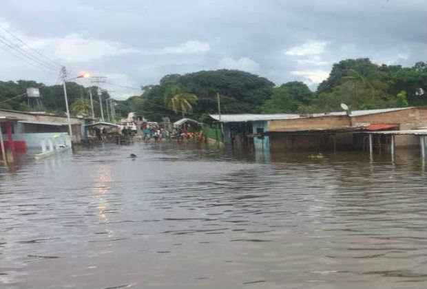 Más de 6.523 afectados por crecida de ríos Orinoco y Caroní