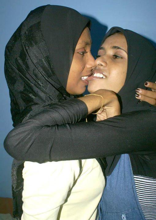 muslim lesbian kiss
