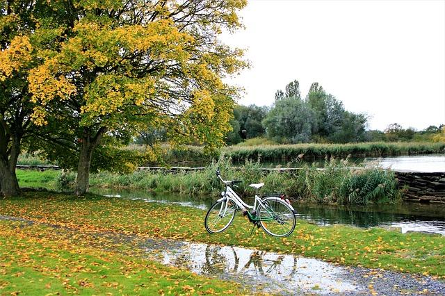 ảnh xe đạp và mùa thu đẹp