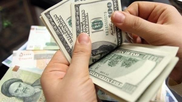 الدولار يتجاوز رقمه القياسي ويسجل رقماً جديداً أمام الريال المنهار.. أسعار الصرف