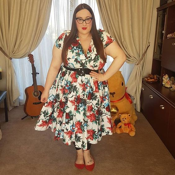Pin Up Girl Clothing Birdie Dress in White and Red Floral plus size review